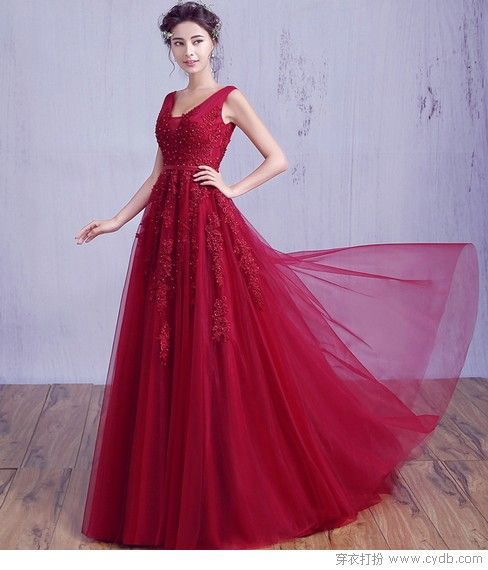 优雅酒红色 出众连衣裙